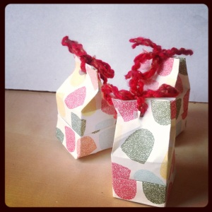 Give them to your friends in little handmade paper boxes!